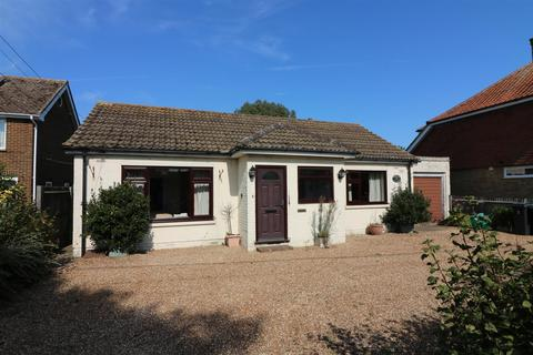 2 bedroom detached bungalow for sale - The Street, Worth, Deal
