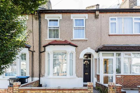 3 bedroom terraced house for sale - Huxley Road, London