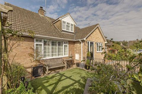 4 bedroom house for sale - Manor Close, Urchfont, Wiltshire