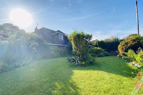 4 bedroom detached bungalow for sale - Hen Parc Lane, Upper Killay, Swansea