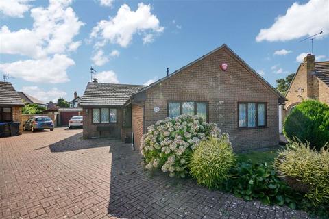 3 bedroom detached bungalow - Hiller Close, Broadstairs, Kent