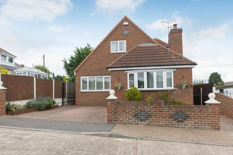 3 bedroom detached bungalow for sale - Cliff View Rd, Cliffsend, RAMSGATE