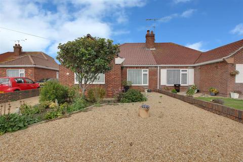 2 bedroom bungalow for sale - Melrose Close, Worthing
