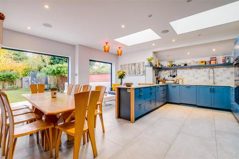 5 bedroom semi-detached house for sale - Sutton Court Road, London, W4