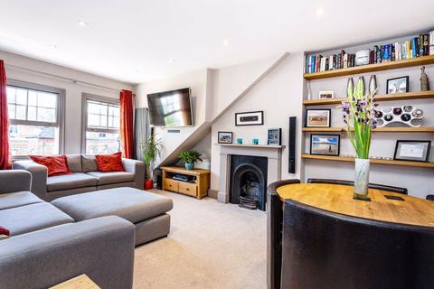 2 bedroom flat for sale - Shelgate Road, London, London, SW11