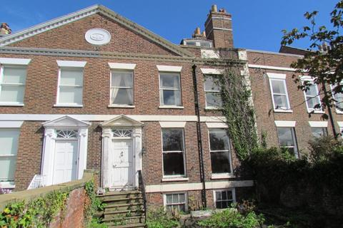 7 bedroom townhouse for sale - St. Hildas Terrace, Whitby