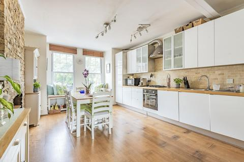 2 bedroom flat for sale - Queenstown Road, Battersea
