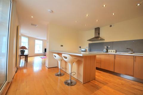 3 bedroom apartment - Newcastle Upon Tyne
