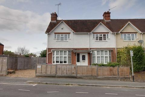 3 bedroom house to rent - Talfourd Avenue, Reading