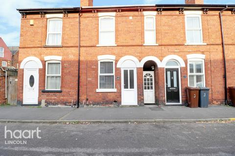 3 bedroom terraced house - Weir Street, Lincoln