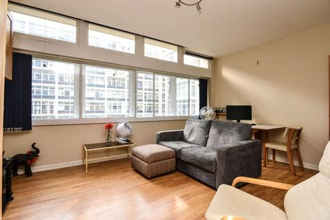 Studio to rent - Metro Central Heights, Elephant and Castle, London