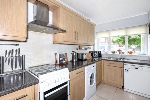 3 bedroom terraced house to rent - Manor Road, Wokingham, Berkshire, RG41