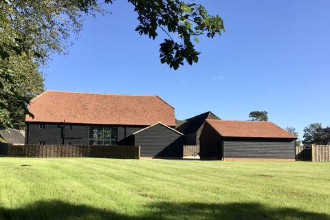4 bedroom barn conversion for sale - GREAT BARDFIELD