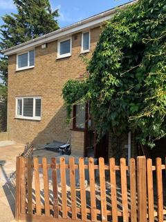 5 bedroom detached house to rent - Strandfield Close, London, SE18