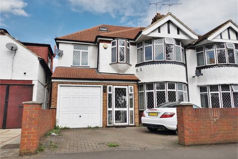 5 bedroom semi-detached house to rent - Hounslow, TW5