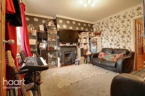 2 bedroom terraced house for sale - Hardie Road, Dagenham
