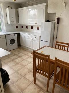 2 bedroom apartment to rent - Joscoyne House, Philpot Street, London E1