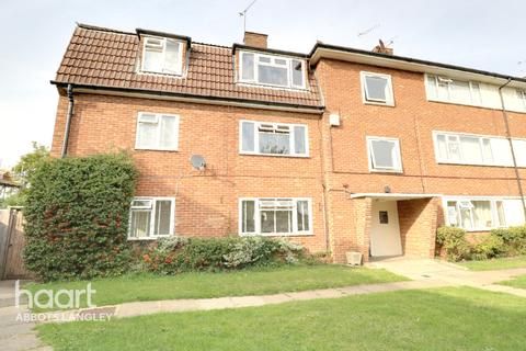 2 bedroom flat - Parnell Close, Abbots Langley