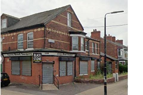 Property to rent - Ayres Road Manchester