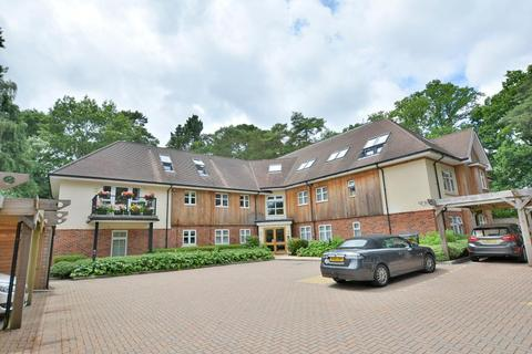 3 bedroom apartment for sale - Glade Lodge, 4 Carroll Avenue, Ferndown, BH22 8BP