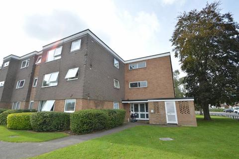 1 bedroom flat for sale - Tithe Court, Langley, SL3