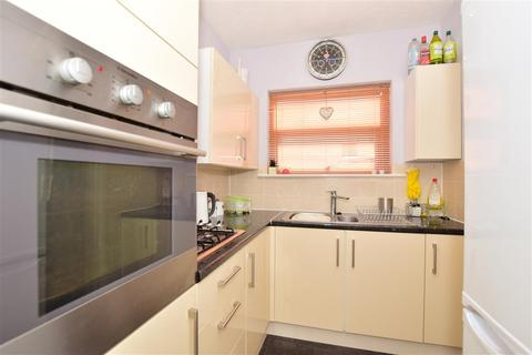 1 bedroom detached bungalow for sale - Southdown Road, Minster On Sea, Sheerness, Kent