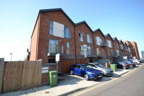 3 bedroom end of terrace house for sale - Oswald Road, Southampton, SO19