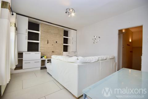 2 bedroom flat to rent - Hambro Road, London, SW16