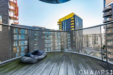 2 bedroom flat to rent - Millharbour, London, E14