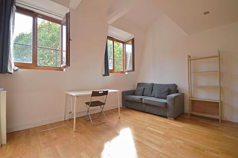 2 bedroom flat to rent - Ruzzaman House, 49A Mile End Road, London, E1
