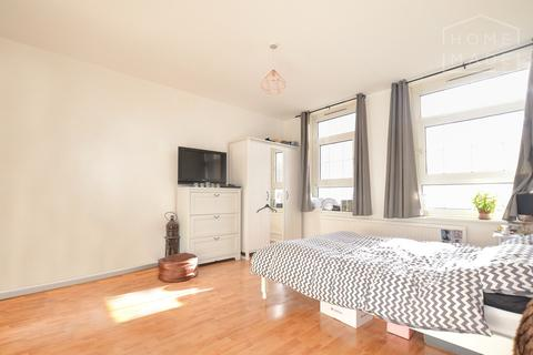 3 bedroom flat to rent - Chadworth House, Shoreditch, EC1V