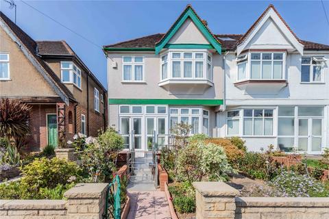 3 bedroom semi-detached house for sale - Woodfield Way, London, N11