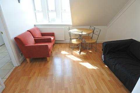 2 bedroom flat to rent - Burnley Road, Dollis Hill NW10