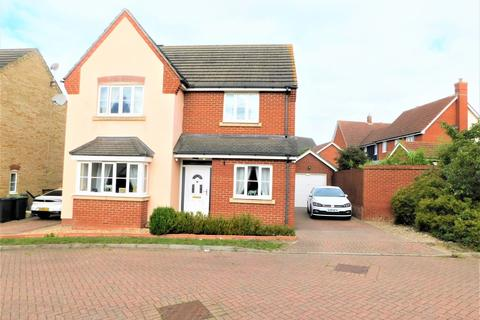 4 bedroom detached house for sale - Woodpecker Close, Stowmarket