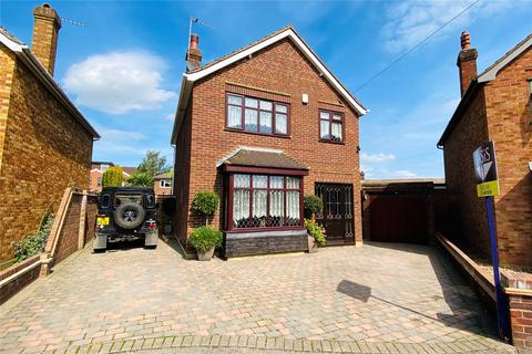 3 bedroom detached house for sale - Knightsbridge Crescent, Staines-upon-Thames, Surrey, TW18