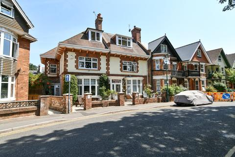 1 bedroom house share to rent - 22 Churchill Road, Bournemouth,