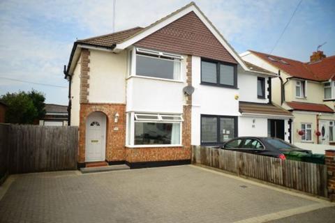 2 bedroom semi-detached house for sale - Harrow Road, Bedfont, TW14