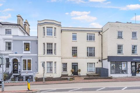 2 bedroom apartment for sale - The Pantiles, Tunbridge Wells