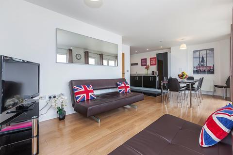 3 bedroom apartment to rent - Barge Walk, London, SE10