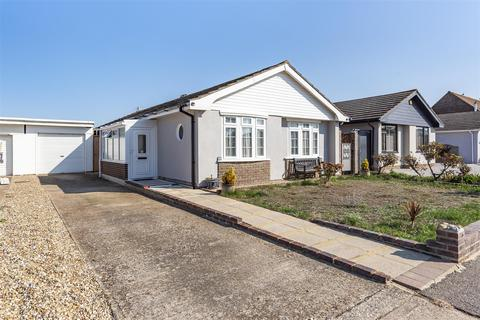 3 bedroom detached bungalow for sale - The Meadway, Shoreham-By-Sea