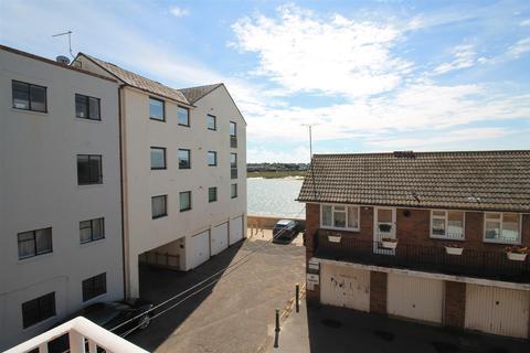 3 bedroom flat to rent - High Street, Shoreham-By-Sea