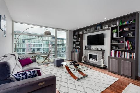 2 bedroom apartment for sale - Howard Building, Chelsea Bridge Wharf, London, SW11