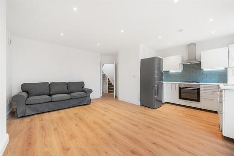 4 bedroom flat to rent - Thurlow Park Road, Tulse Hill, London