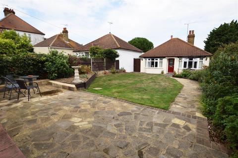 2 bedroom detached bungalow for sale - Grange Road, Gillingham
