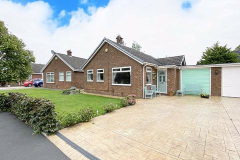 2 bedroom detached bungalow for sale - Goodwood Avenue, Brooklands, Manchester