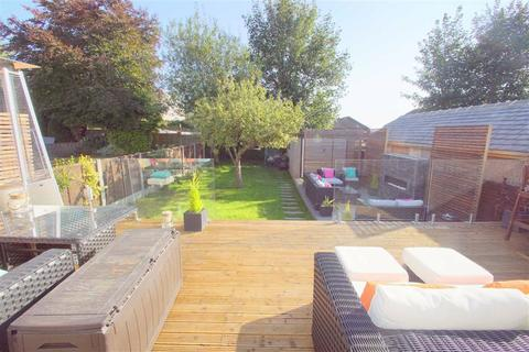 3 bedroom semi-detached house for sale - Selby Road, Leeds