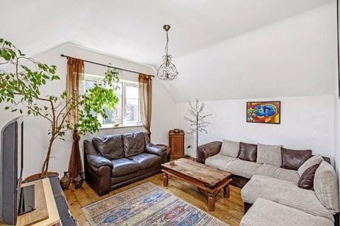 2 bedroom flat for sale - Gleneagle Road, Streatham, London
