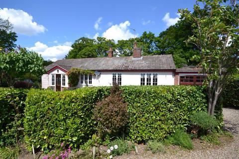 3 bedroom detached bungalow for sale - The Ridge, Little Baddow