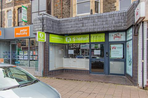 Shop to rent - Albany Road, Cardiff