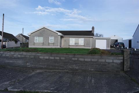 3 bedroom bungalow - Rectory Road, Llangwm